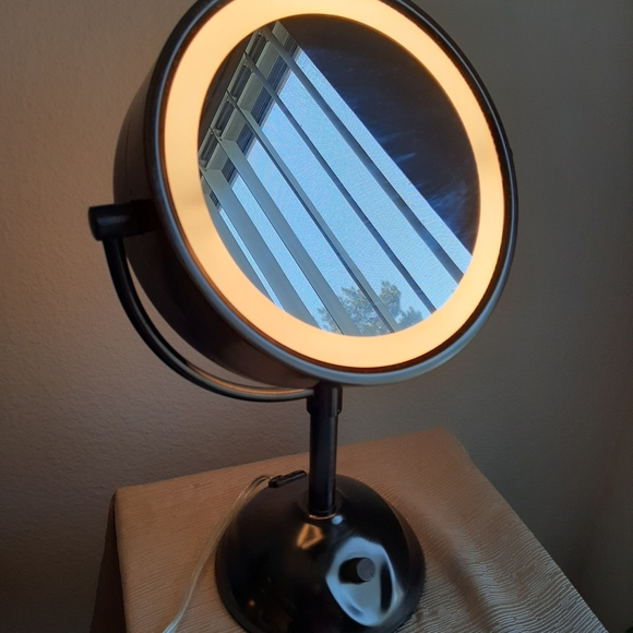 conair Other - Conair double sided magnifying mirror with light